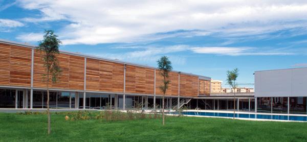 Arac 07 piscinas climatizadas y espacios deportivos for Piscina jose garces