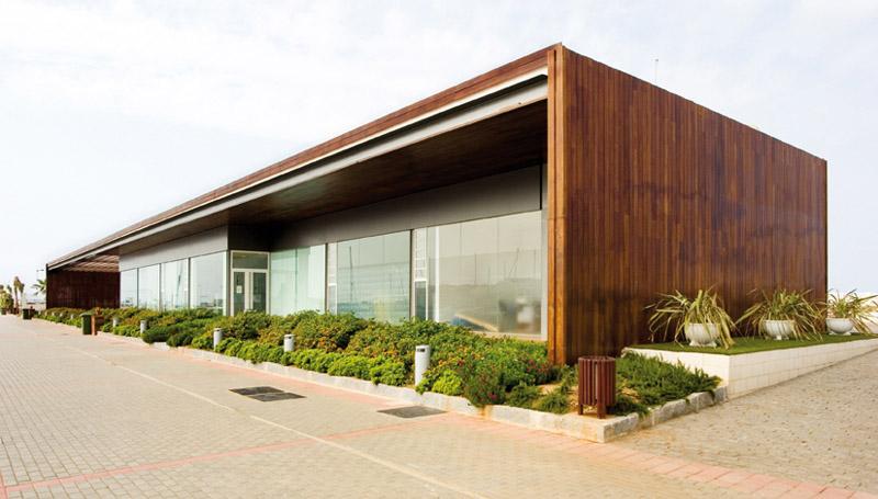 ARA_07. Edificio de gestión y atención a los usuarios de la zona ...